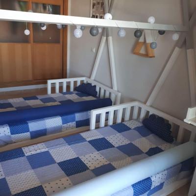 Duas camas montessori do modelo Spot